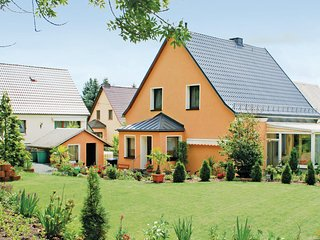 Nice home in Oelsnitz w/ WiFi and 3 Bedrooms