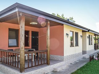 Awesome home in Kamen Bryag w/ WiFi and 1 Bedrooms