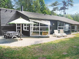 Stunning home in Glesborg w/ Sauna, WiFi and 5 Bedrooms