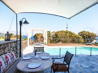 May Special Offer...Private villa with pool and sea views