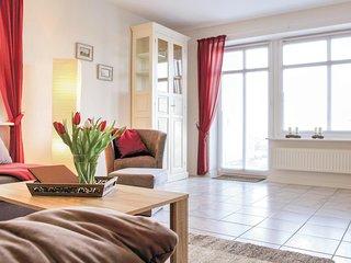 Amazing home in Dagebull w/ 2 Bedrooms