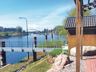 Nice home in Lauenburg w/ WiFi and 3 Bedrooms (DSH350)
