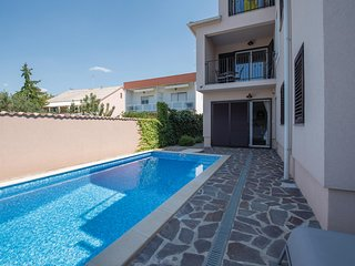 Awesome home in Brodarica w/ WiFi and 2 Bedrooms