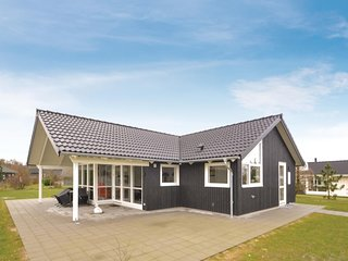 Amazing home in Glesborg w/ WiFi and 3 Bedrooms (D74322)