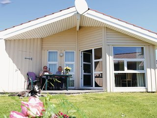 Amazing home in Friedrichskoog w/ Sauna and 2 Bedrooms (DSH612)