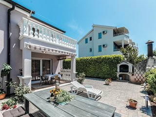 Stunning home in Vodice w/ WiFi and 4 Bedrooms