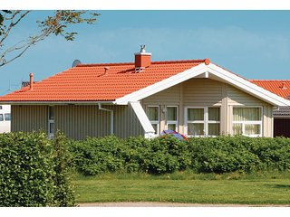 Beautiful home in Friedrichskoog w/ Sauna and 2 Bedrooms