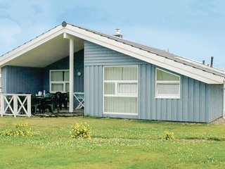 Awesome home in Friedrichskoog w/ Sauna and 4 Bedrooms