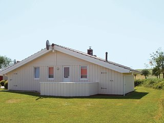 Awesome home in Friedrichskoog w/ Sauna and 3 Bedrooms (DSH613)