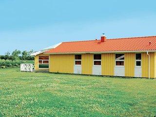 Beautiful home in Friedrichskoog w/ Sauna and 5 Bedrooms (DSH610)