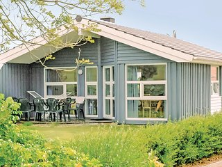 Awesome home in Friedrichskoog w/ Sauna and 3 Bedrooms (DSH601)