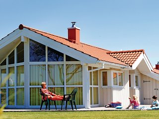 Beautiful home in Friedrichskoog w/ Sauna and 3 Bedrooms (DSH607)