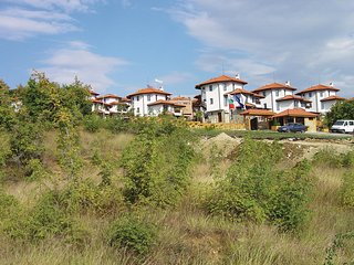 Amazing home in Kosharitsa Village w/ 3 Bedrooms and Outdoor swimming pool