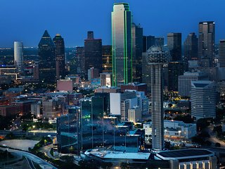 Luxury Penthouse with Stunning View in Dallas