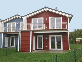 Amazing home in Dagebull w/ Sauna and 3 Bedrooms