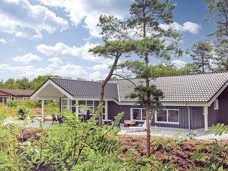 Beautiful home in Glesborg w/ Sauna, WiFi and 4 Bedrooms (D74474)