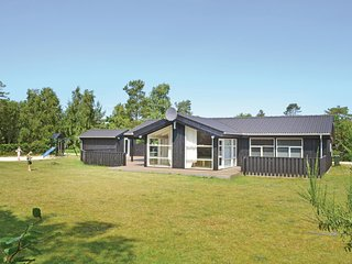 Awesome home in Glesborg w/ 3 Bedrooms (D74600)