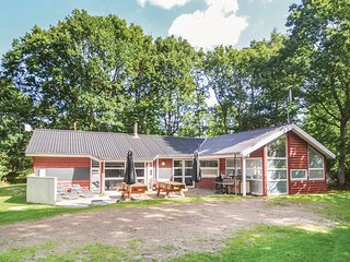 Amazing home in Glesborg w/ Sauna, WiFi and 4 Bedrooms (D74574)