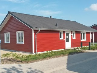 Stunning home in Dagebull w/ Sauna and 2 Bedrooms