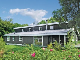 Awesome home in Glesborg w/ Sauna, WiFi and 4 Bedrooms
