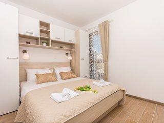Apartments Villa LA