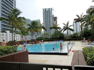 Spacious Downtown Brickell 3 Bedroom Apartment Lic1111