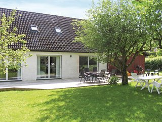 Stunning home in Mölndal w/ WiFi and 4 Bedrooms
