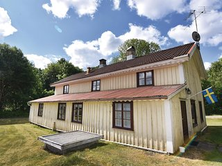 Stunning home in Mårdaklev w/ 5 Bedrooms