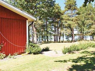 Beautiful home in Mönsterås w/ 3 Bedrooms (S06994)