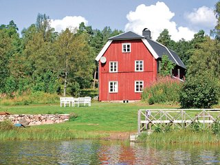Nice home in Håcksvik w/ WiFi and 4 Bedrooms