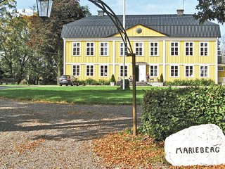 Amazing home in Tidaholm w/ 6 Bedrooms