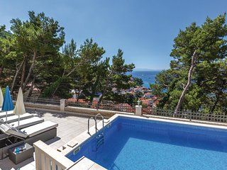 Amazing home in Brela w/ WiFi and 1 Bedrooms (CDF523)