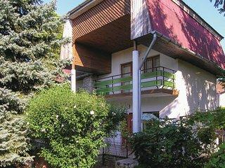 Nice home in Balatonfoldvar w/ 2 Bedrooms