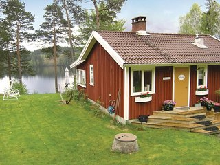 Amazing home in Aplared w/ Sauna, WiFi and 2 Bedrooms