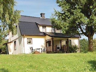 Amazing home in Öxabäck w/ 3 Bedrooms (S07703)