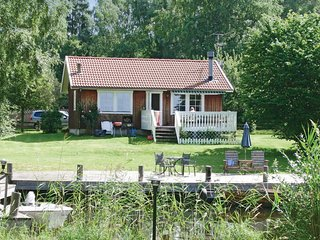 Beautiful home in Sjotorp w/ 2 Bedrooms
