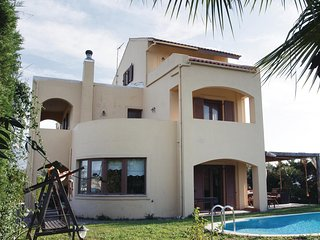 Beautiful home in Finikia w/ WiFi and 3 Bedrooms