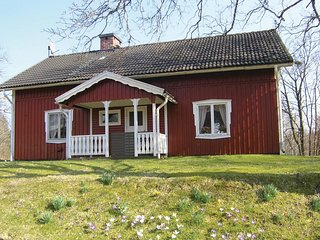 Awesome home in Ostra Frolunda w/ Sauna and 3 Bedrooms