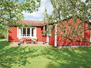 Awesome home in Karlsborg w/ 2 Bedrooms