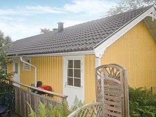 Nice home in Ljungskile w/ 3 Bedrooms