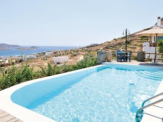 Awesome home in Syros w/ WiFi and 5 Bedrooms (GKS005)