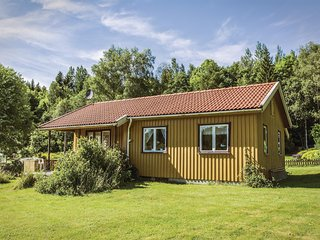 Stunning home in Ljungskile w/ WiFi and 2 Bedrooms (S08035)
