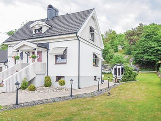 Awesome home in Hisingsbacka w/ Sauna, WiFi and 3 Bedrooms