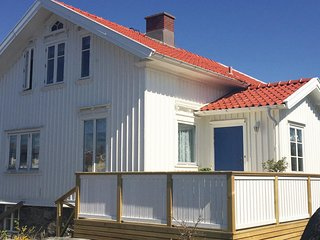 Amazing home in Hönö w/ 2 Bedrooms