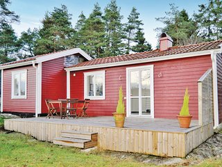 Nice home in Henån w/ 2 Bedrooms and WiFi