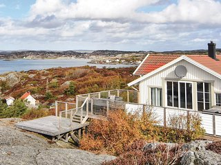 Stunning home in Kyrkesund w/ Sauna and 5 Bedrooms