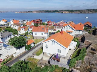 Amazing home in Bovallstrand w/ WiFi and 3 Bedrooms