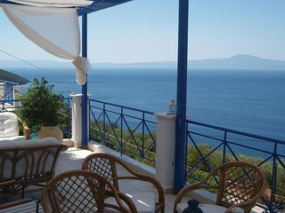 Amazing home in Mantineia Messinia w/ WiFi and 3 Bedrooms (GPE189)