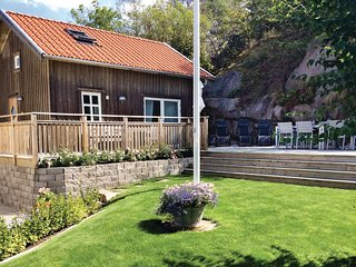 Awesome home in Bovallstrand w/ WiFi and 2 Bedrooms