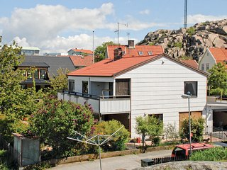 Amazing home in Lysekil w/ Sauna and 4 Bedrooms (S08025)